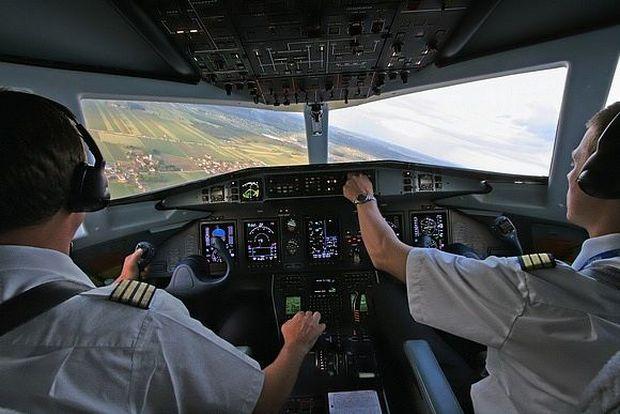 Летчики в работе