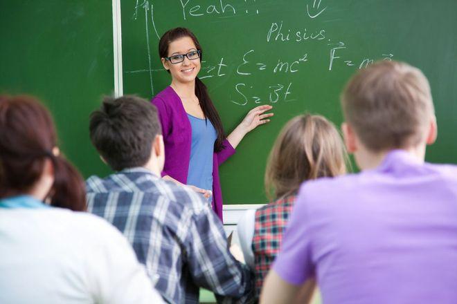 Преподаватель в работе