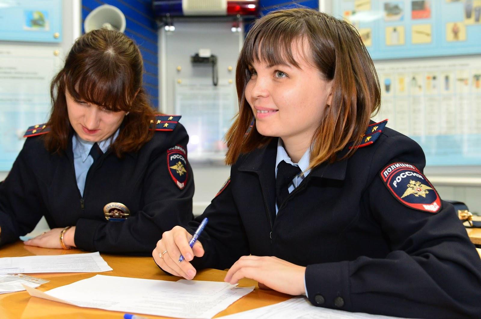 Девушки военнослужащие