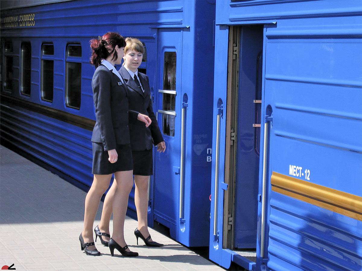 Чешские студентки в поезде 12 фотография