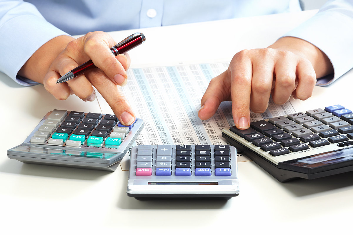 Выходное пособие при сокращении: облагается ли страховыми взносами данные выплаты, а также удерживается или нет ндфл и подоходный налог с компенсации за неиспользованные отпуска при увольнении?